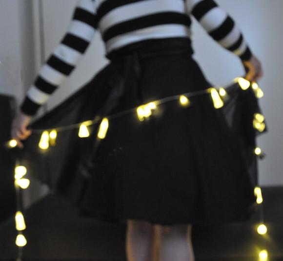 Momento alegre com luzinhas