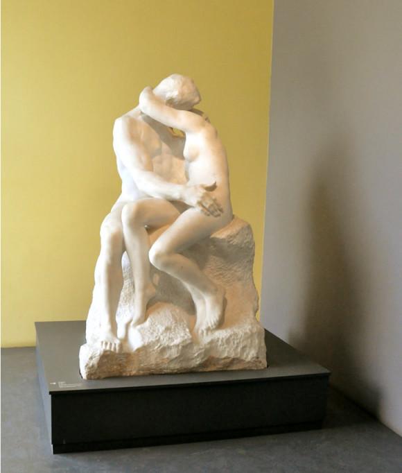 "Meu amado ""O Beijo"". Lembro de ter sido essa a primeira escultura que estudei na vida e ter ficado apaixonada por ela."
